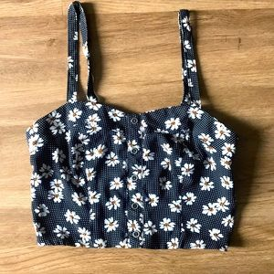 3 for $22 🥨 Xhilaration daisy-patterned crop top